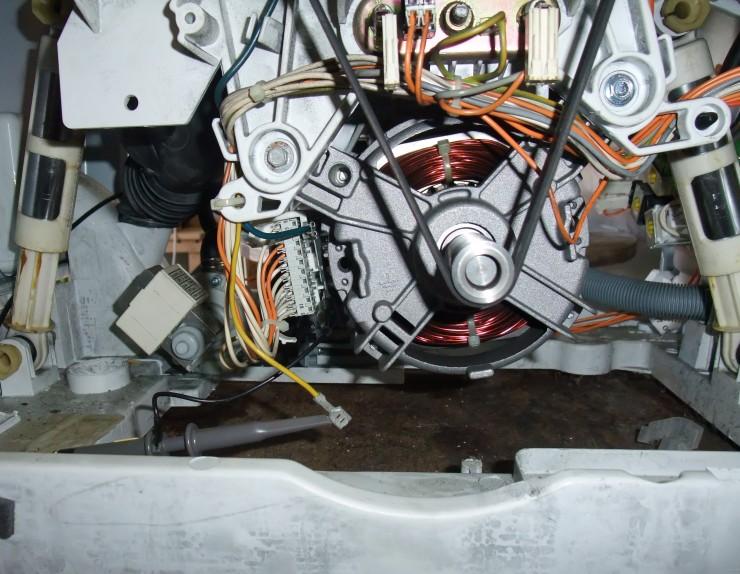 Závady motoru pračky AEG a Electrolux