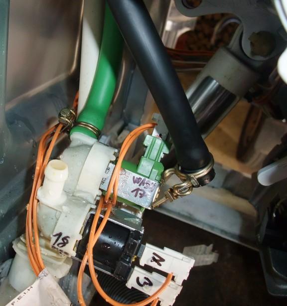 trojcestný napouštěcí ventil